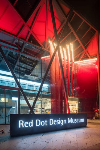 red dot design museum singapore design kontemporer modern ada disini. Black Bedroom Furniture Sets. Home Design Ideas